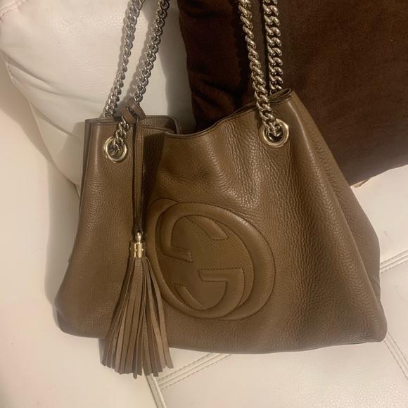 Gucci Handbags - Gucci Soho Chain Tote